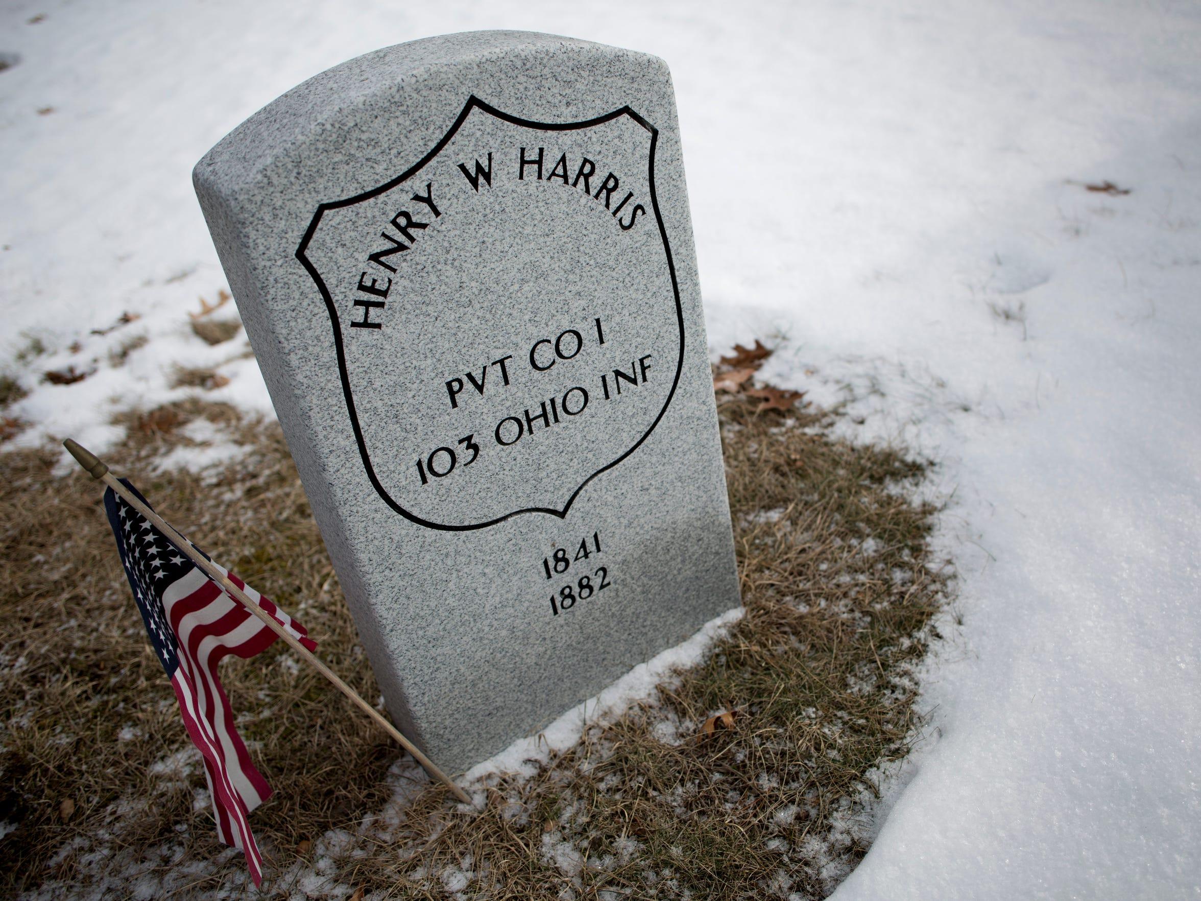 A headstone for a Civil War veteran at Lakeside Cemetery