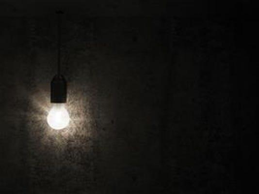 636054680079048162-lightbulb.jpg