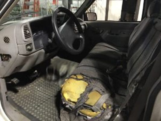 636311536457436446-GMC-driver-side-interior-300x225.jpg