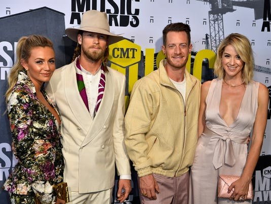 Entertainment: CMT Music Awards