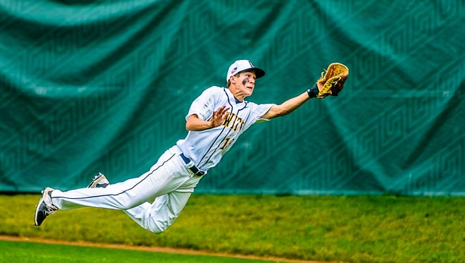 Noah Koenigsknecht and DeWitt are one of the top teams in this year's Diamond Classic field.