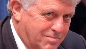 University of Mississippi Chancellor Emeritus Dr. Robert C. Khayat, will speak during the fourth annual William Carey University scholarship dinner at 7 p.m. Tuesday at Southern Oaks House and Gardens.