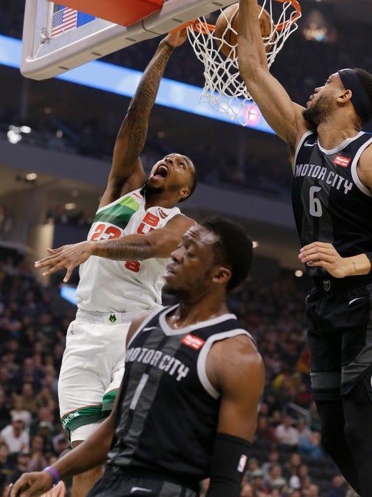 Pistons_Bucks_Basketball_86895.jpg
