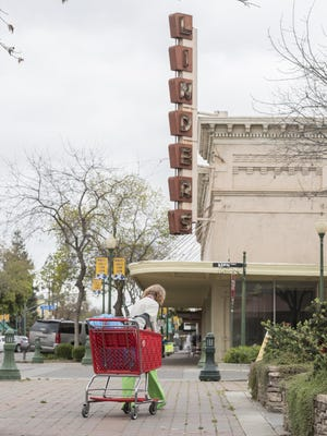 The Linder's building has been vacant for years in Downtown Tulare on Thursday, March 23, 2017.