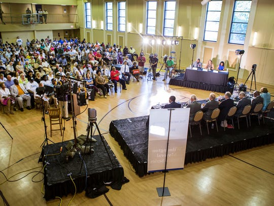 Over 500 community members fill the Holy Trinity Greek Orthodox church gymnasium for the Wilmington mayoral debate on Tuesday night.