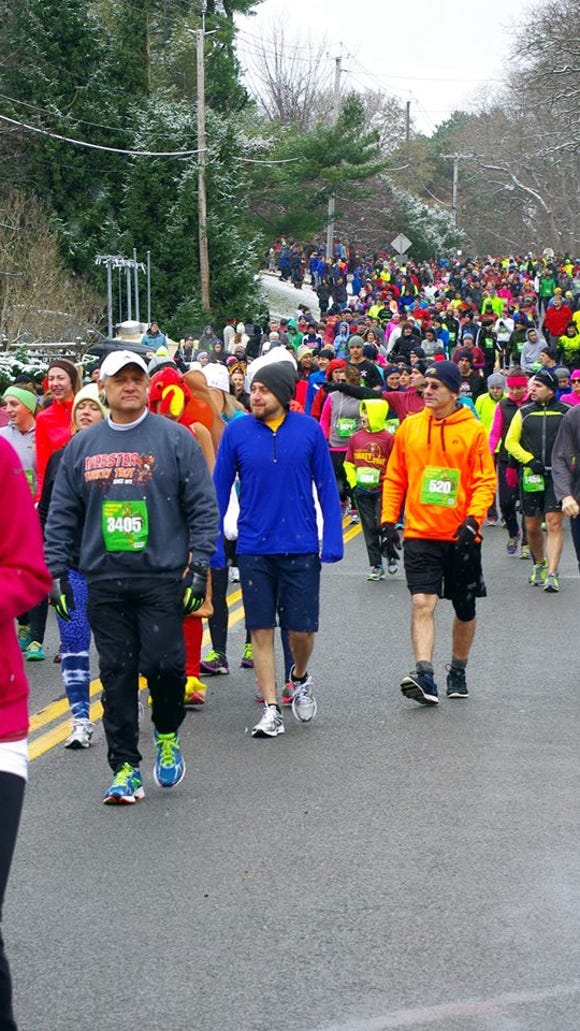 This photo shows just some of last year's racers heading to the start line. (M. Rosenberry)