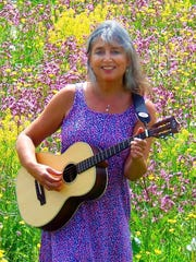 Singer/songwriter Reyna Stagnaro will perform Saturday