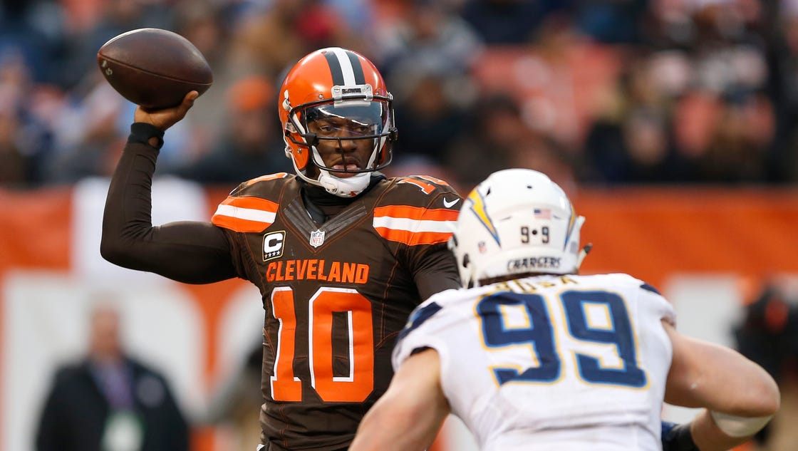 Browns Win Lions Remain Nfl S Only 0 16 Team