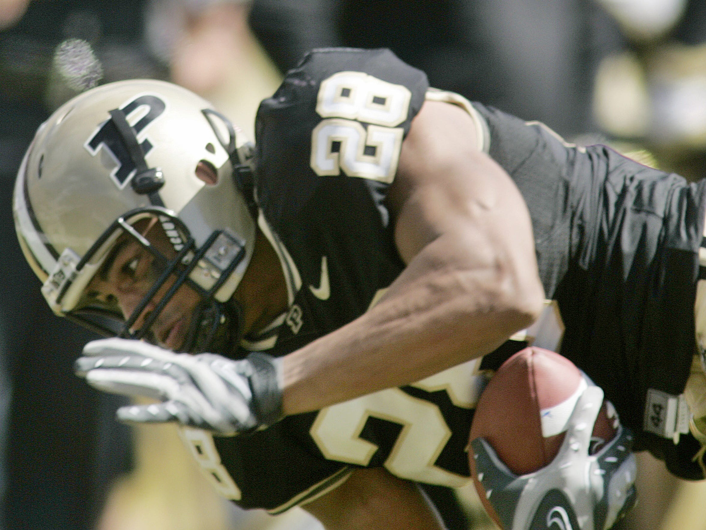 Purdue tight end Dustin Keller comes down with a touchdown