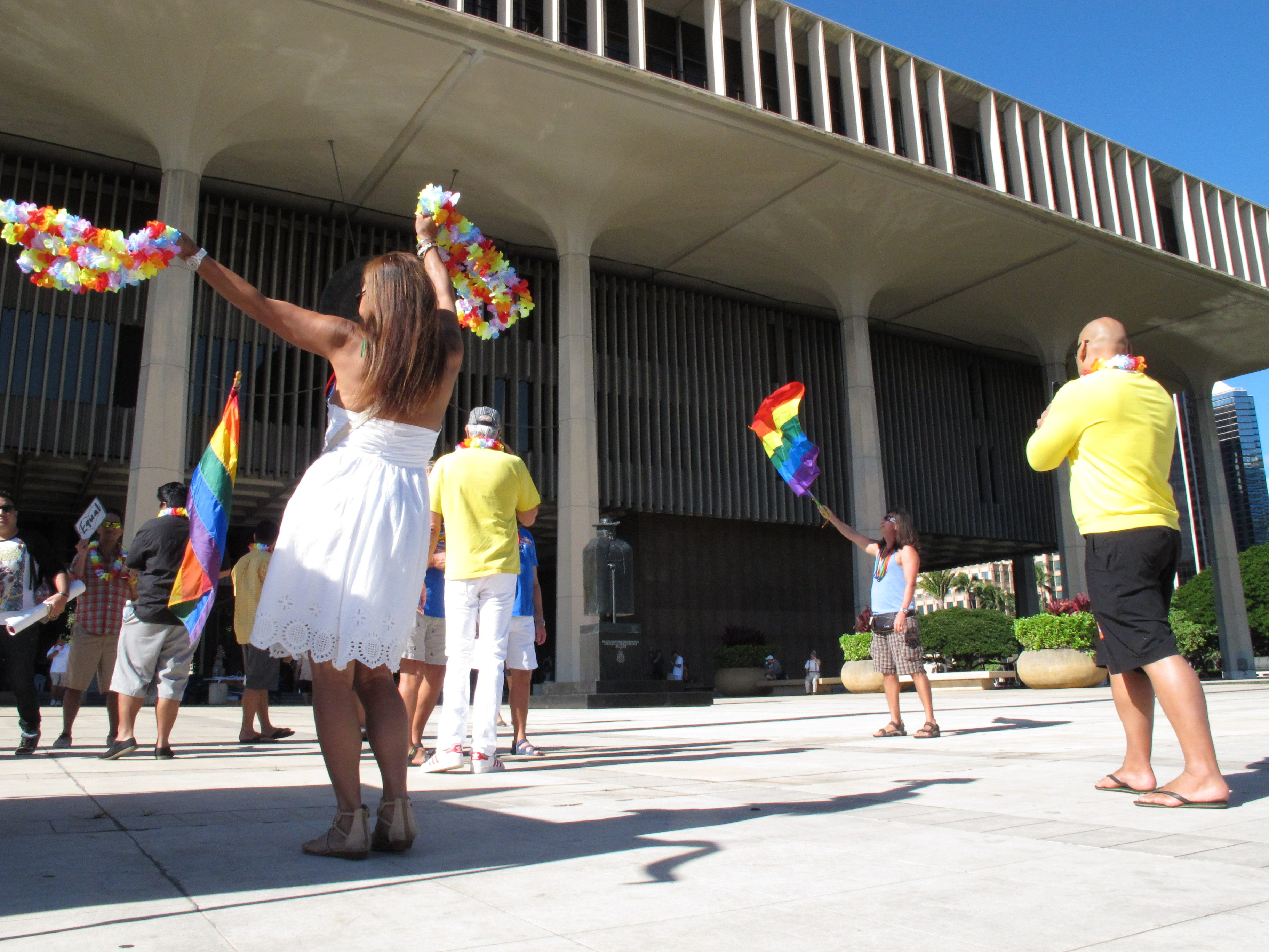 Hawaii's Civil Unions Bill Signed Into Law