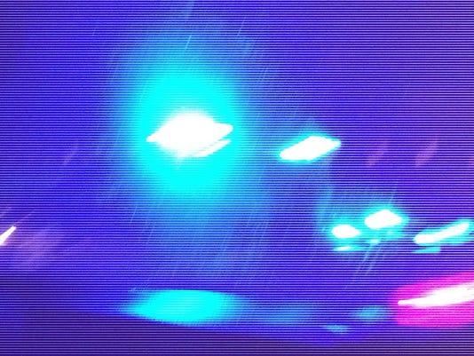 635739412497471451-police-lights2