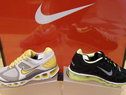 -PNI china shoe factory strike 0422.jpg_20140422.jpg