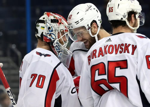Capitals lifting fans' hopes with 2-0 lead vs. Lightning