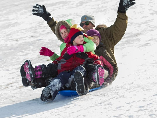 YIR_0115_wkn_sledding_6926