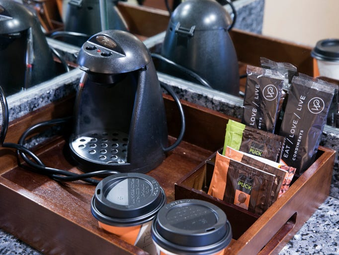 Tour las vegas 39 luxor hotel and casino for Best luxury coffee maker