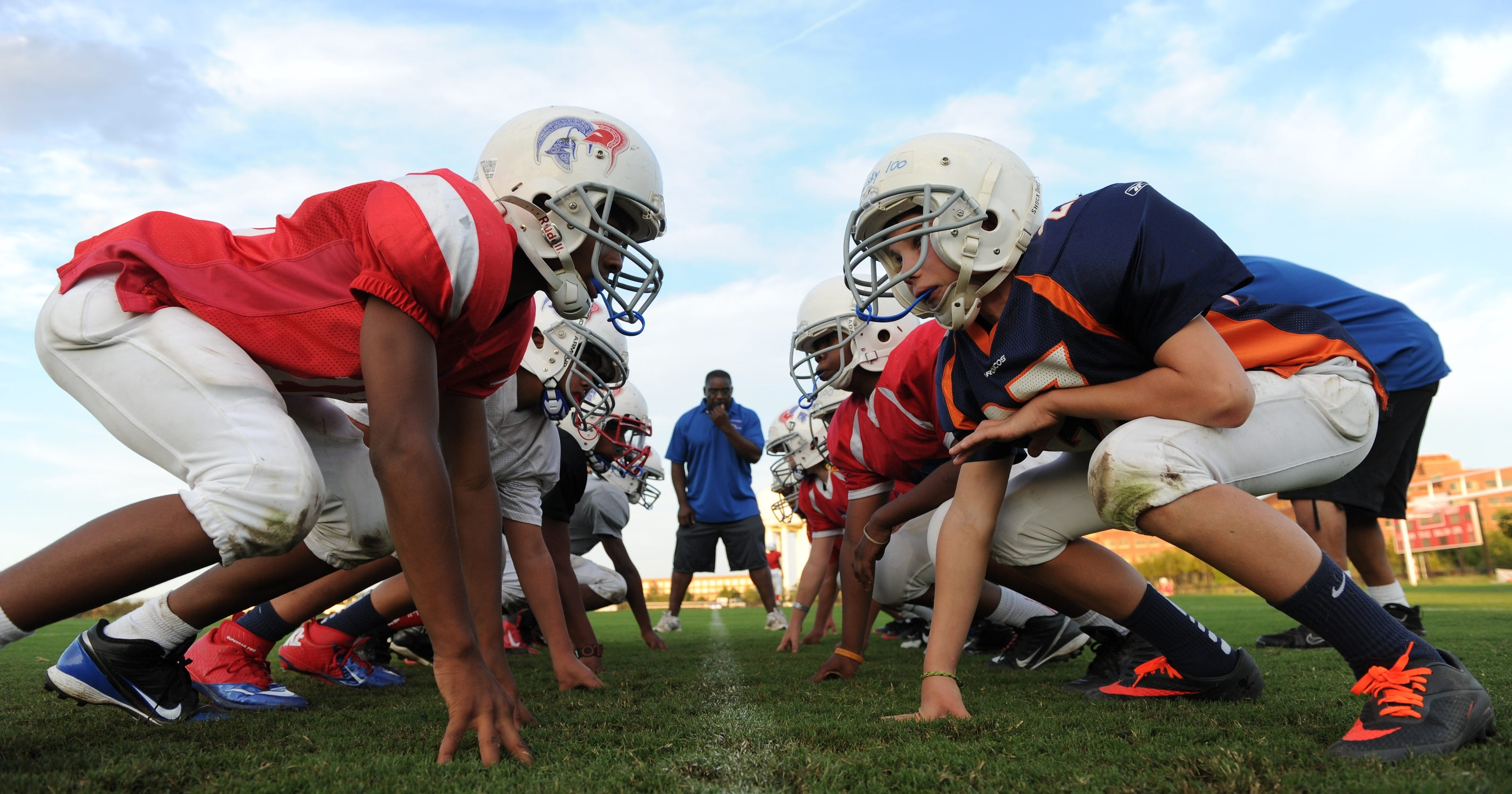 Concussion Doctor Says Kids Shouldnt >> Why Parents Shouldn T Clear Kids From Concussions