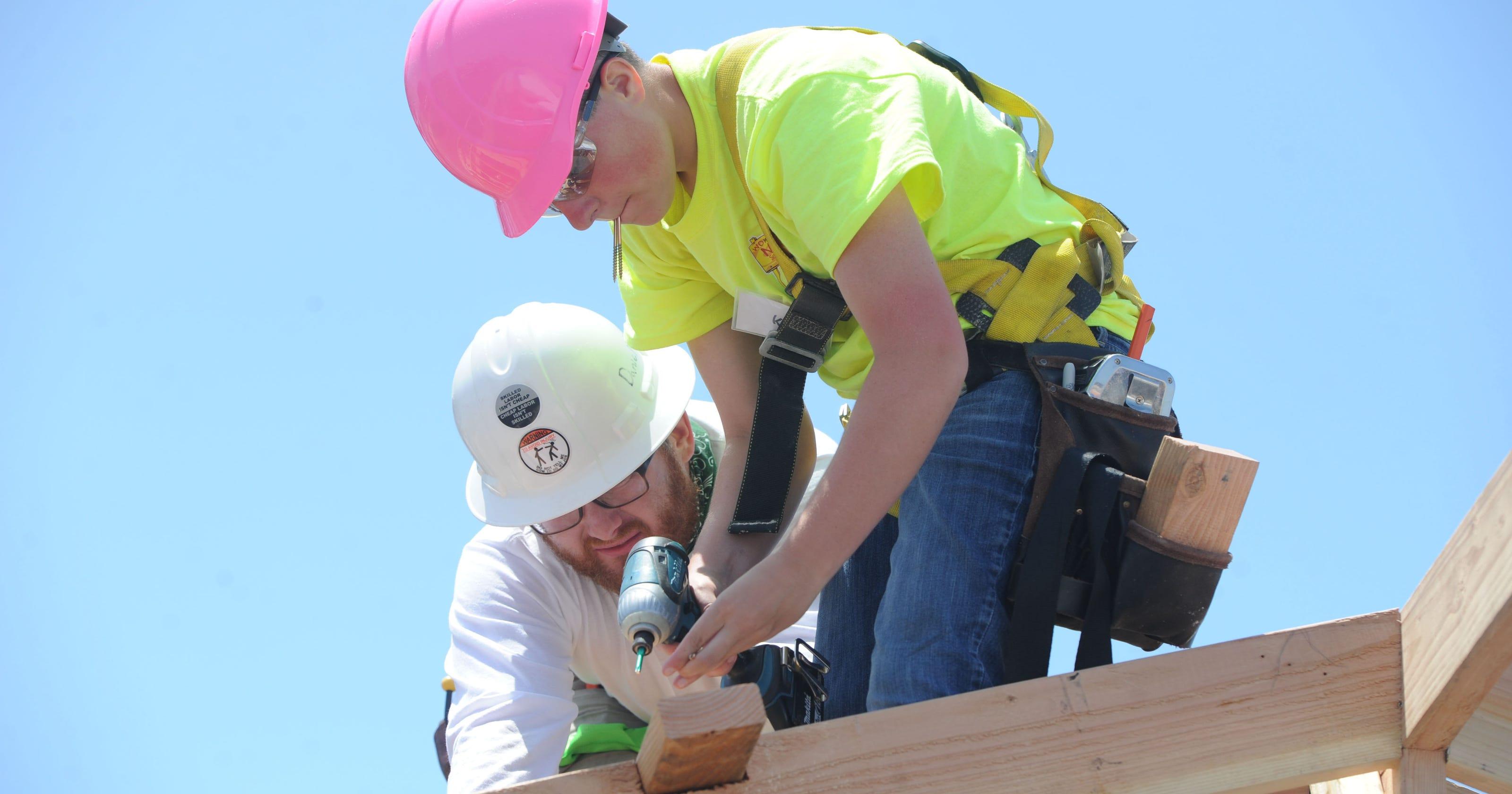 Ventura County girls build construction skills with tiny house
