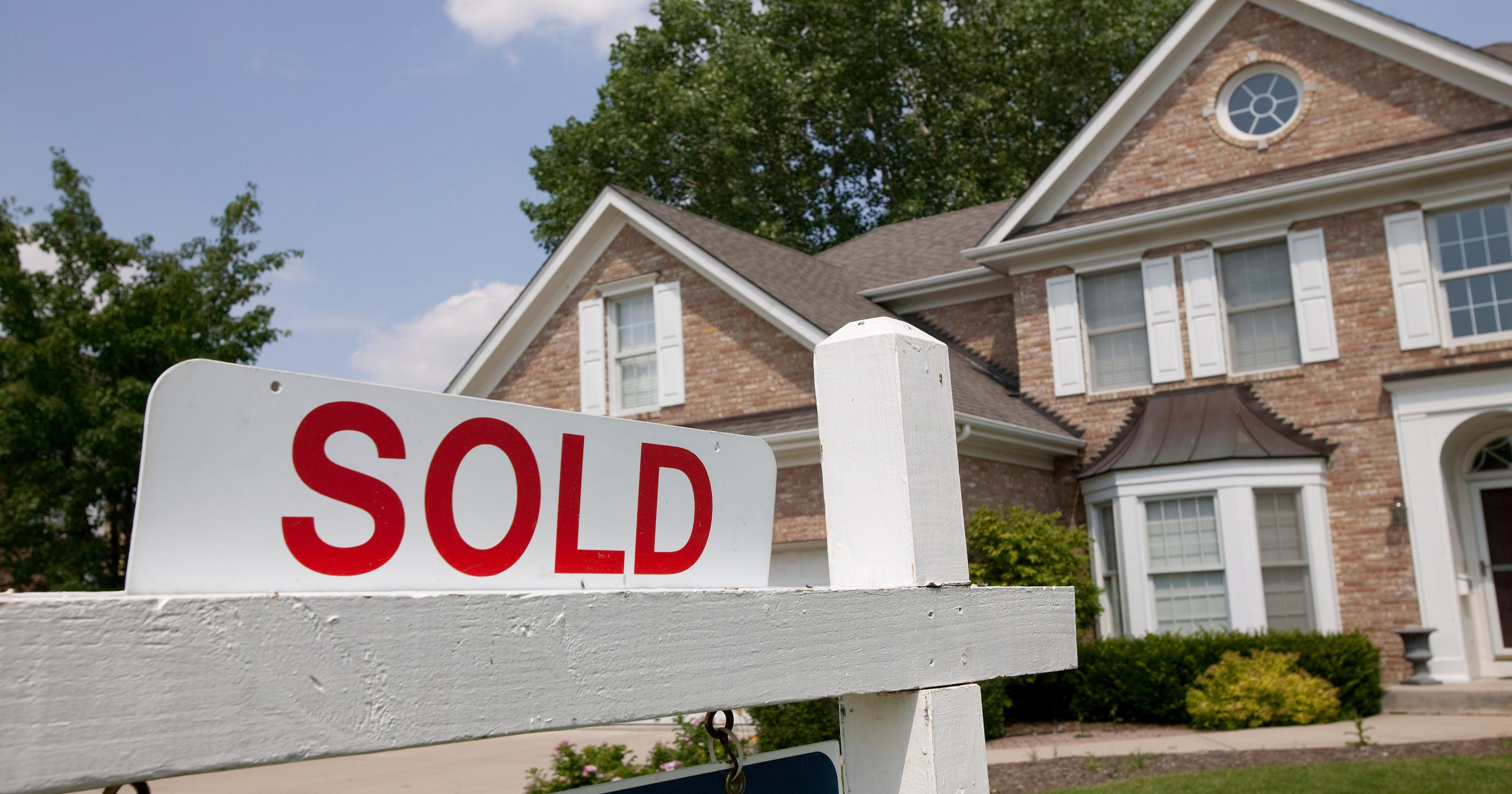 Home buyers sweeten deal by letting sellers stay longer