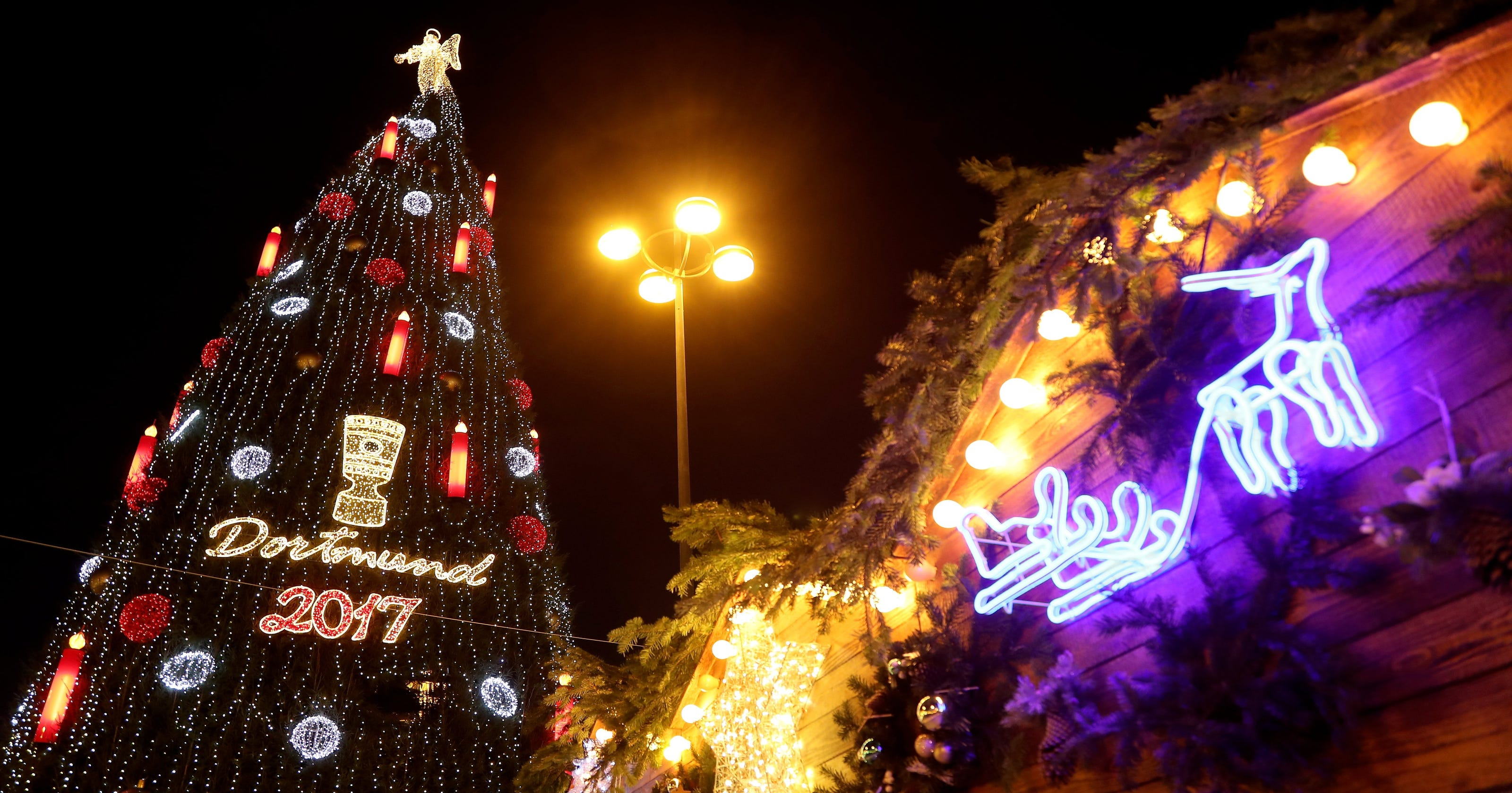 Germany Christmas.German Christmas Market Begs Visitors To Stay Away