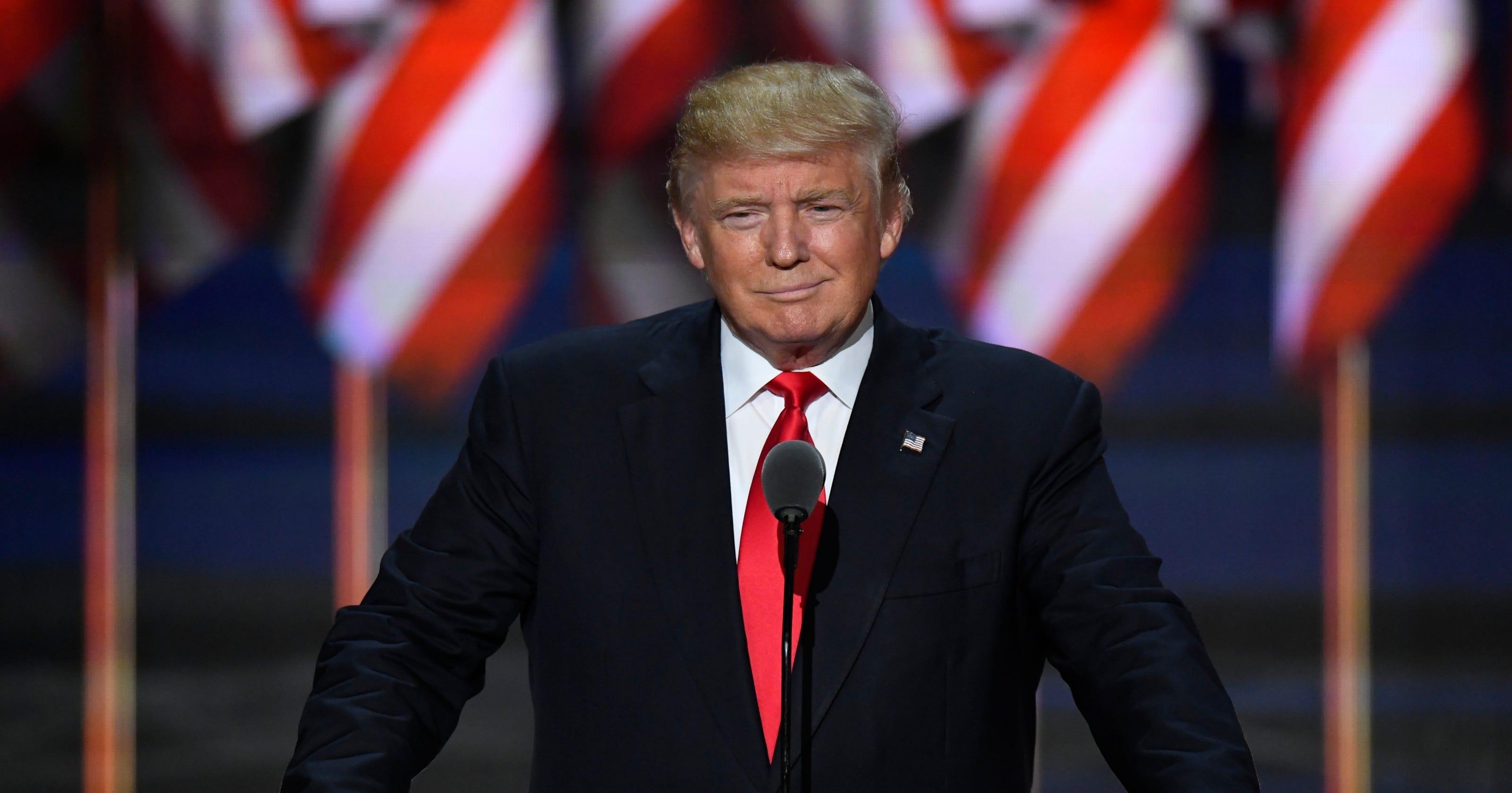 9d62b38a Donald Trump accepts GOP nomination, says 'I alone can fix' system