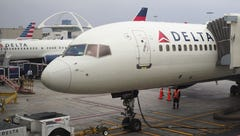 Delta plane turns onto closed taxiway at Detroit airport