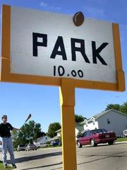 Residents surrounding Lambeau Field offer parking in