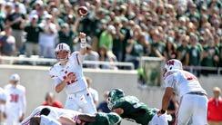 Wisconsin Badgers quarterback Alex Hornibrook (12)
