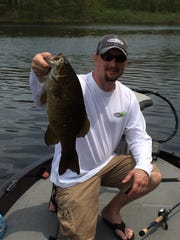 Craig Kloth caught this 21.5-inch smallmouth bass on
