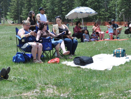 Fans soak up some sun and some good music at WindRider