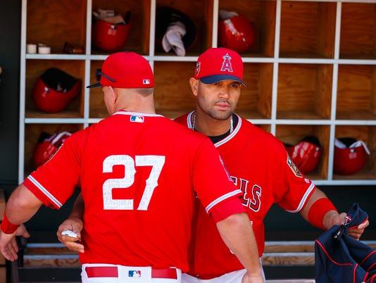 USP MLB: SPRING TRAINING-CLEVELAND INDIANS AT LOS S BBA LAA CLE USA AZ