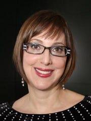 Julie Yolles, Social Scene