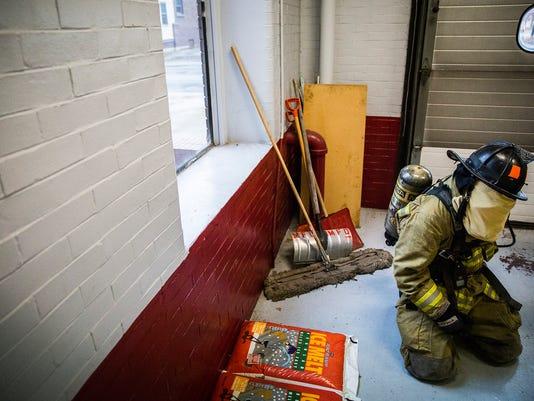 635834708832262402-firefighter-training-111818