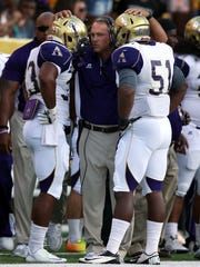 Hopson (center) is 32-16 in four years at Alcorn State and led the Braves to their second consecutive SWAC title in 2015.