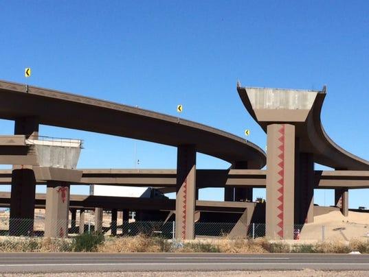 Loop 303 ramps