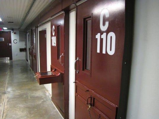635918294767111571-Guantanamo-cell-block.jpg