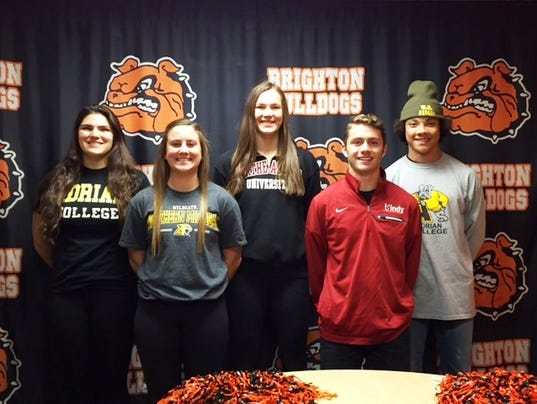 636136315617820921-BHS-1st-College-Signing-Group.jpg