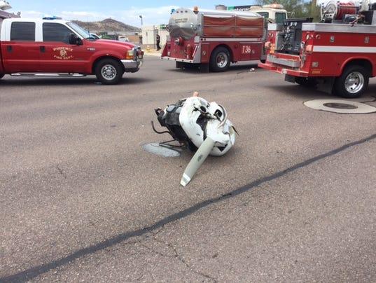 2 hurt when plane crashes near Deer Valley airport