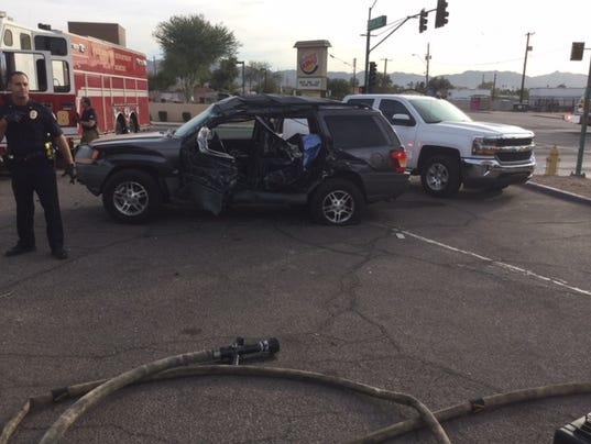 4 hurt in crash
