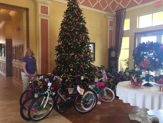 636487911837696586-VERO-toys-for-tots-pic.jpg