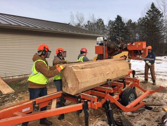636493758144222466-lumber.JPG