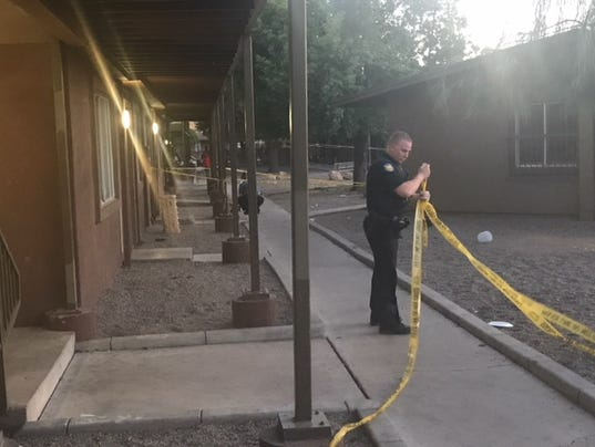 Man shot at west Phoenix apartment complex