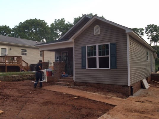 Habitat for humanity dedicates 4 new homes to local families for Local home builders