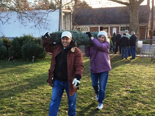 Master Gardeners Celebrate 10 Years Hauling Trees For Y's
