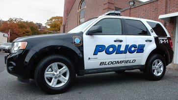 Police: Woman fought off would-be carjacker in Bloomfield