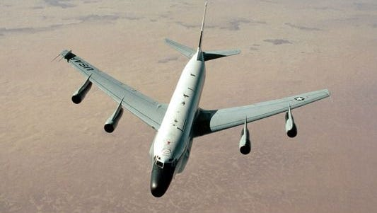 An RC-135 Stratoliner aircraft approaches a KC-135 Stratotanker during Operation Desert Shield in 2011.