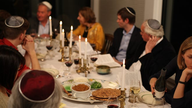 Simon Schama hosts a seder or Passover meal.