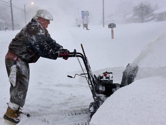 CPO-MWD-012316-snow-saturday-Jonas