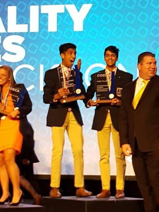 Novi DECA winners