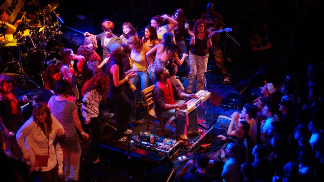 Robert Randolph invited women from the audience to dance on stage during his performance at The Chance on Dec. 28, 2007.