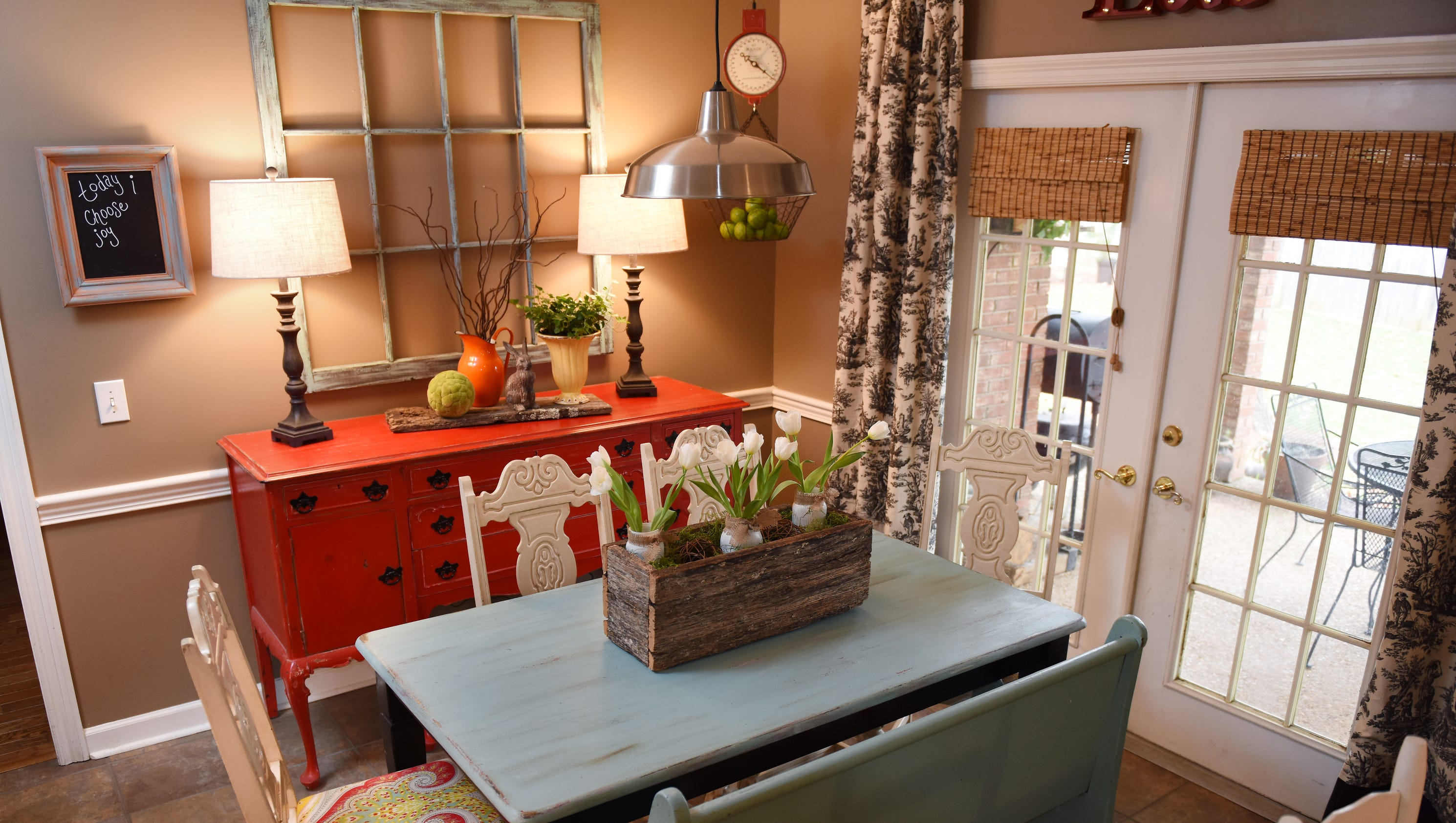 Rustic Charm Accent Colors Help Madison Home Thrive